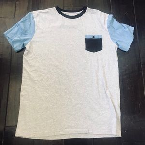New without tags Men Quicksilver Baysic pocket tee